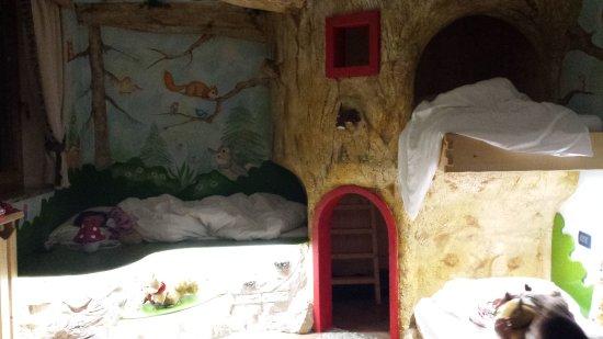 Family Hotel La Grotta: 20170318_220315_large.jpg