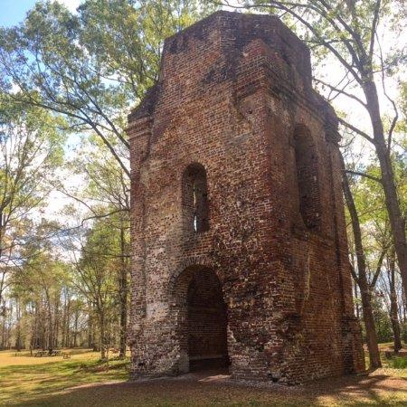 Summerville, SC: Church remains.
