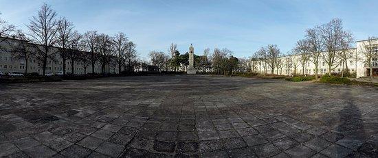 Eisenhuttenstadt, Alemania: Main square in Eisenhüttenstadt