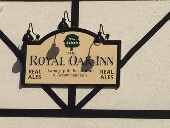 Лаут, UK: Name on establishment