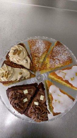 Hadleigh, UK: Homemade gluten free cakes
