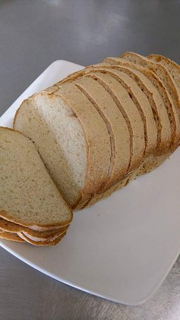 Hadleigh, UK: Homemade gluten free bread