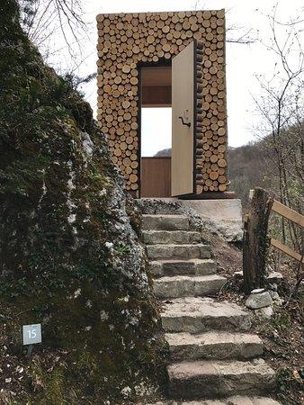 Arlesheim, Suiza: Ermitage Holztüre mit Aussicht