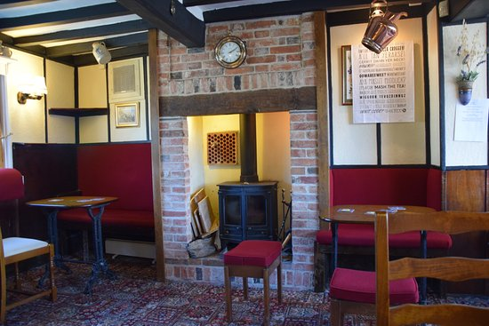 Nottinghamshire, UK: comfortable spacious seating area (with lovely fire place!)