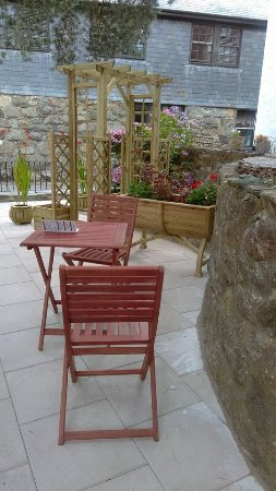 Dolgellau, UK: chill out outside