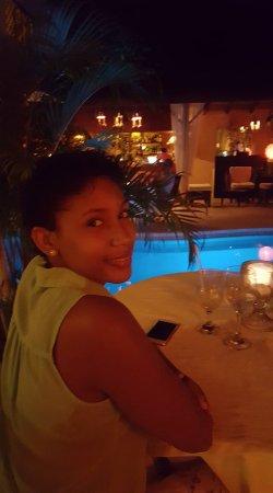 """Bliss Restaurant Lounge Bar Pool : La mia """"bella"""" al tavolo con vista piscina."""