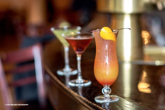 Springs Orleans Happy Hour is 7 days/week from 3-6pm and features 2-for-1 martinis & mixed drink