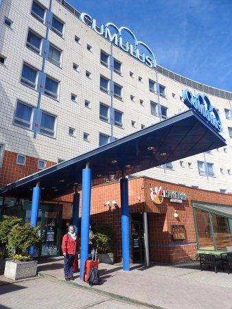 Vantaa, فنلندا: Ravintola Huviretki at front of Cumulus Hotel, Vantaa