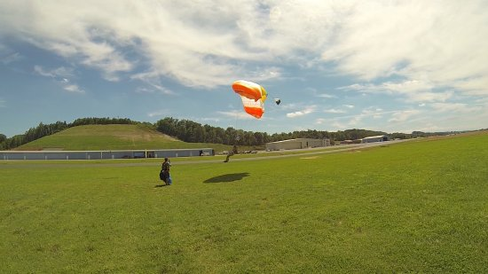 Greeneville, TN: Learn to Skydive on your own.