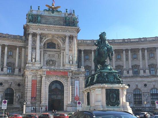 Photo of Monument / Landmark Heldenplatz at Volksgarten, Vienna, Austria