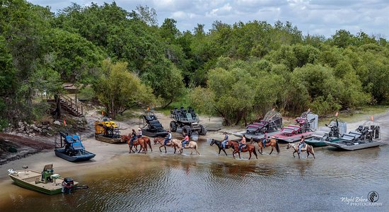 Arcadia, FL: We Have more than Airboats, we now offer so much more! Horseback rides, swampbuggy rides, and mo