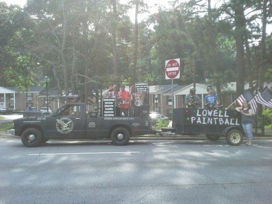 Carrollton, GA: Fourth of July parade with zombies and all!