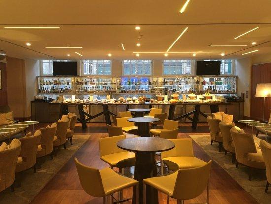Park Hyatt Hamburg: Bar