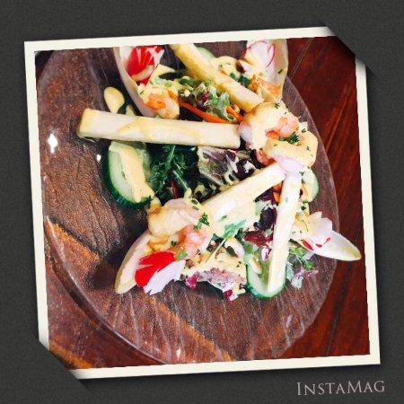 Ixelles, Belgia: scampi & pineapple salad