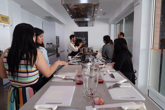 Kitchen bild fr n taller andaluz de cocina sevilla tripadvisor - Taller de cocina sevilla ...