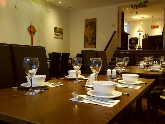 Chalfont St Peter, UK: Main Dinning Floor