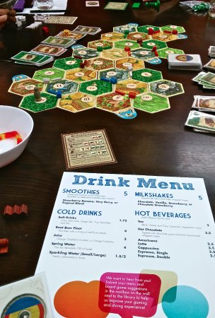 Guelph, Canada: Drinks & Games