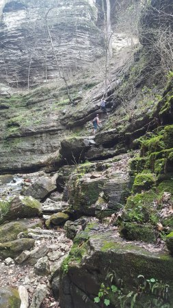 Jasper, AR: Indian Creek Trail - Climbing to The Eye of the Needle