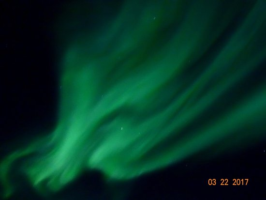 Steese Highway : Spectacular show of the northern lights at Cleary Summit, Fairbanks, AK on the night of 22 Mar 2