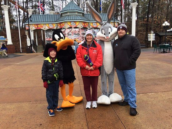 Austell, GA: Daffy and Bugs