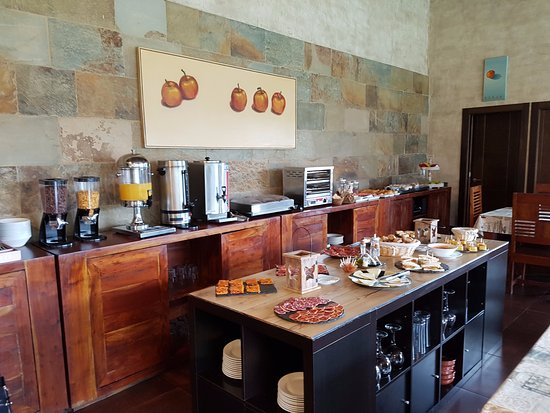 Riosa Municipality, Ισπανία: Buffete desayuno