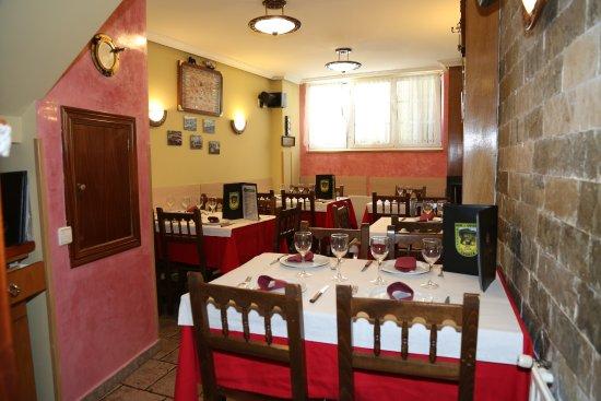 SALA COMEDOR: fotografía de Hotel Restaurante Bar Oviedo ...
