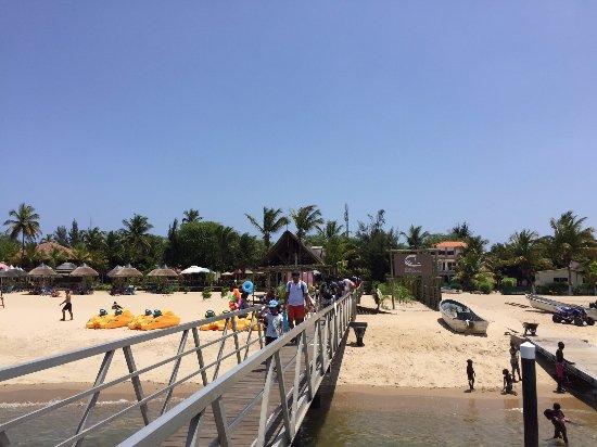 Roca das Mangueiras: Chegada à ilha pelo pier do restaurante.