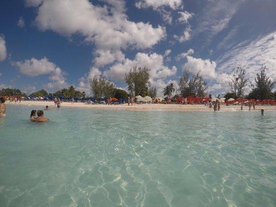 Saint Michael Parish, Barbados: Excelente lugar para disfrutar de un dìa pleno en Barbados. Playa, sol, arenas blancas, servicio