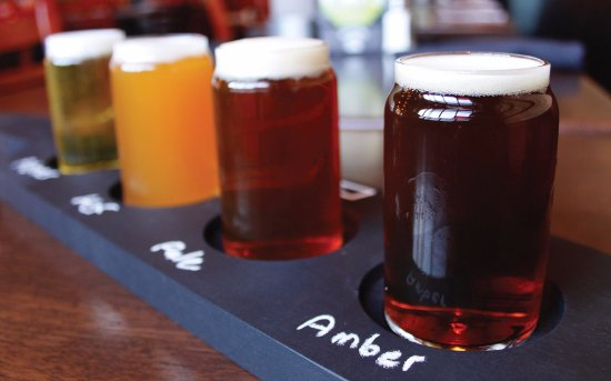 Lake Forest Park, WA: Beer Flights of award winning Ales and Lagers