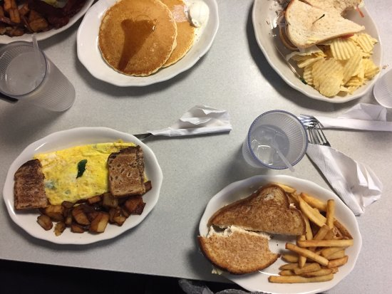 Photo of American Restaurant Becky's Diner at 390 Commercial St, Portland, ME 04101, United States