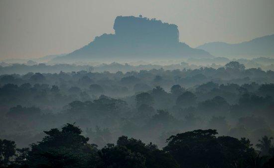 Dambulla, Sri Lanka: Lion Rock