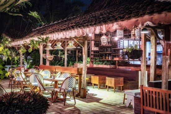Керамас, Индонезия: Health Hub Cafe