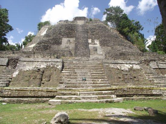Lamanai Archaeological Reserve: High Temple at Lamanai