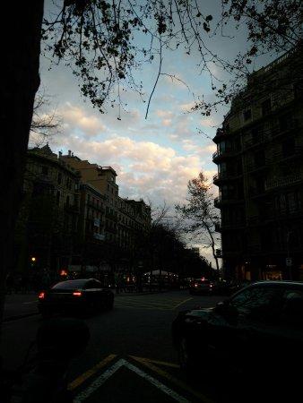 Passeig de Gràcia: 2017-03-27 07_large.jpg