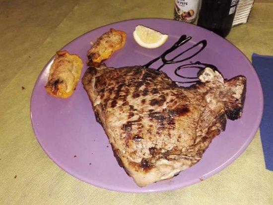Tassarolo, Ιταλία: Fiorentine da urlo, pizze strepitose e il nostro inimitabile antipasto  della casa!