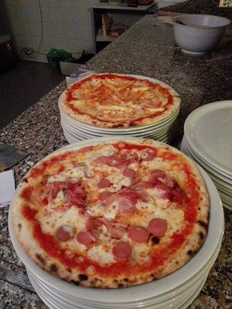 Tassarolo, Италия: Fiorentine da urlo, pizze strepitose e il nostro inimitabile antipasto  della casa!