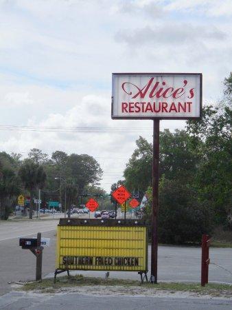 Alice's Parkside Restaurant : Road sign.