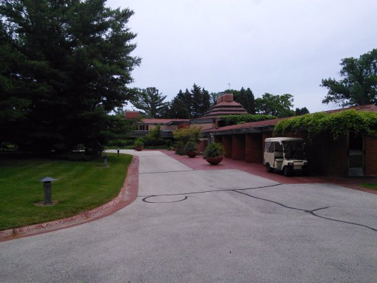 Racine, WI: View looking towards entry