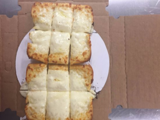 Bolingbrook, IL: Cheesy garlic bread