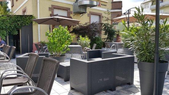 Selestat, France: Terrasse