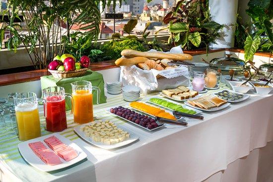 desayuno-buffet.jpg