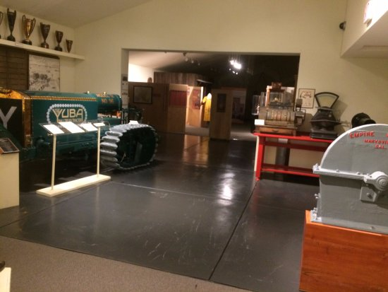 Yuba City, Californië: lots of historical artifacts and displays