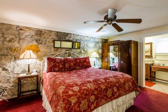 Shady Oaks Country Inn, Hotels in St. Helena