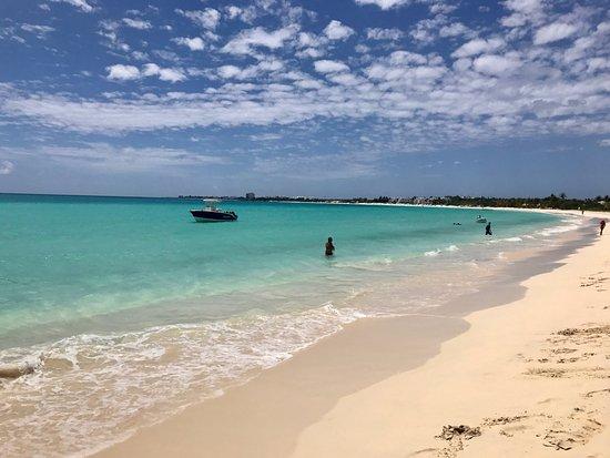 Grand Case, Sint Maarten: les plages magnifiques d'anguilla