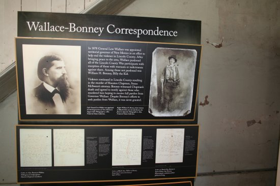 Lincoln, NM: Interpretive signs in courthouse