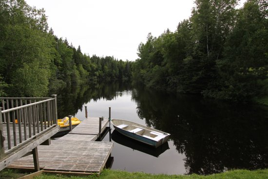 Murray Harbour, Canadá: 1 KM long lake semi private lake, free boats, good fishing