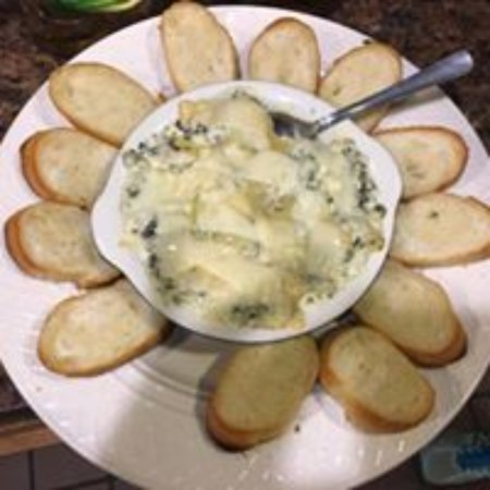 ‪‪New Ulm‬, ‪Minnesota‬: Homemade Spinach Artichoke Dip‬