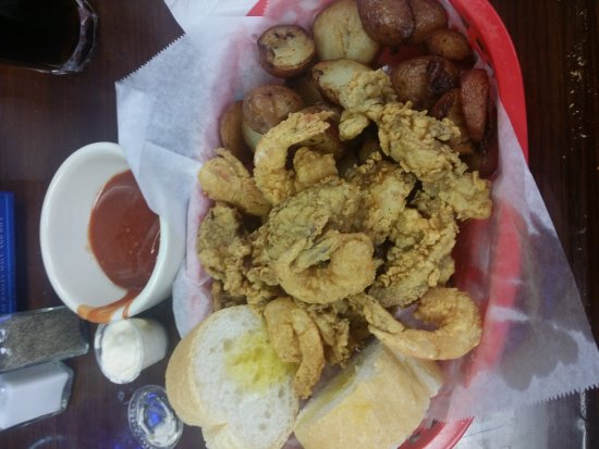 Kenner, LA: 3 lbs Crawfish and Shrimp & Oyster Basket