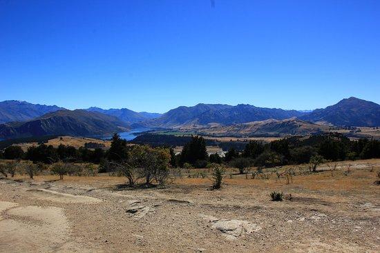 The view of Wanaka and Lake Wanaka (III).