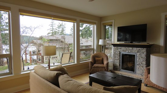Madeira Park, Canada: This was our living room
